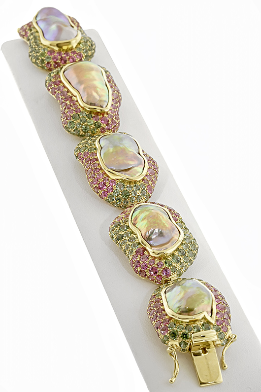 Best Use of Color bracelet for 2014 AGTA Spectrum by Paula Crevoshay