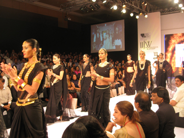 Amrapali show during IIJW