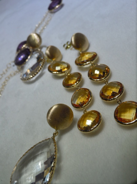 Gold and colored stones from Getana & Co.