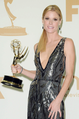 Julie Bowen in Vintage Vibe at the 63rd Emmy Awards