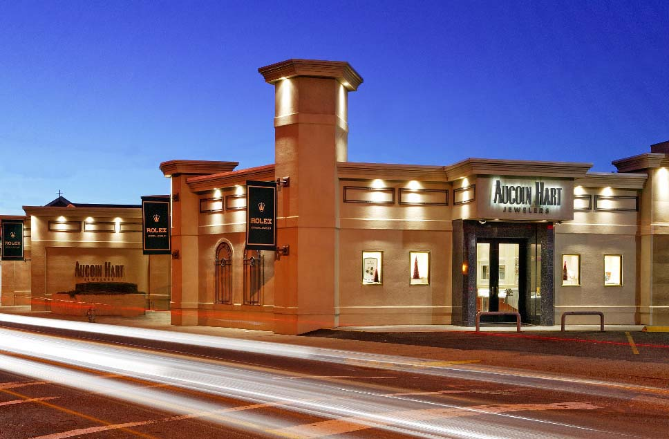 Aucoin Hart Jewelers at night
