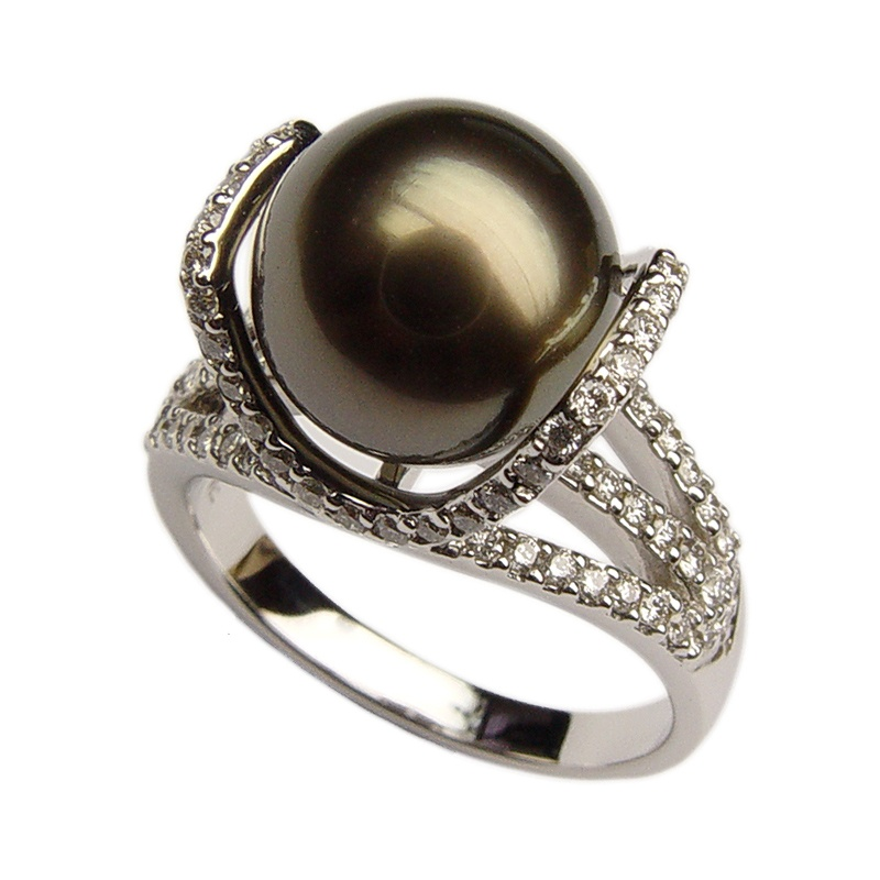 Baggins' Tahitian Pearl ring