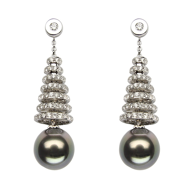 Baggins' Tahitian pearl earrings