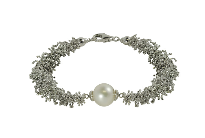 silver and freshwater pearl bracelet from Imperial Pearls' Imperial Lace collection