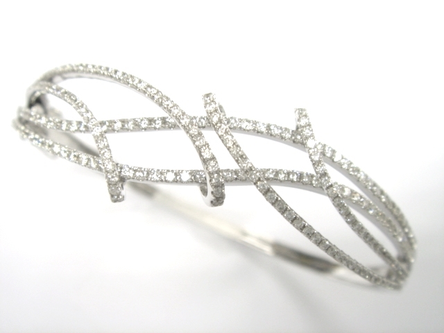 De Vere's diamond bangle
