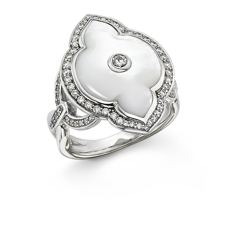 Kabana mother-of-pearl ring in 18k gold with diamonds