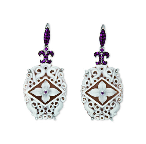 Borriello 75 cameo earrings in 18k gold with rubies