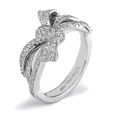 True Knots Bow ring with diamonds