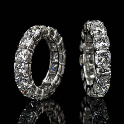 Lili Jewelry cushion-cut diamond eternity band