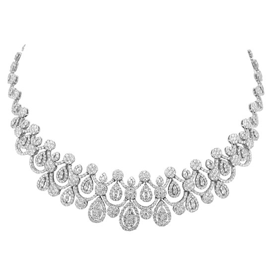 Shy Creation scalloped diamond necklace
