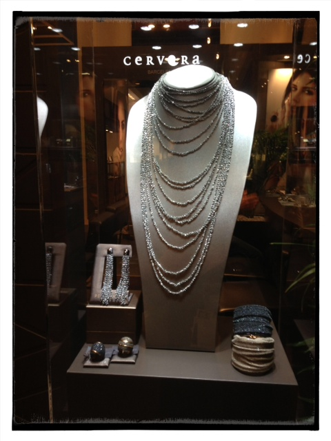 Pesavent silver and nylon jewelry