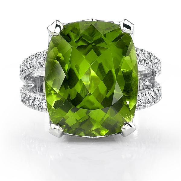 Omi Prive peridot cocktail ring