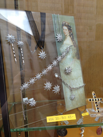 Sisi-inspired star jewelry for sale in Vienna