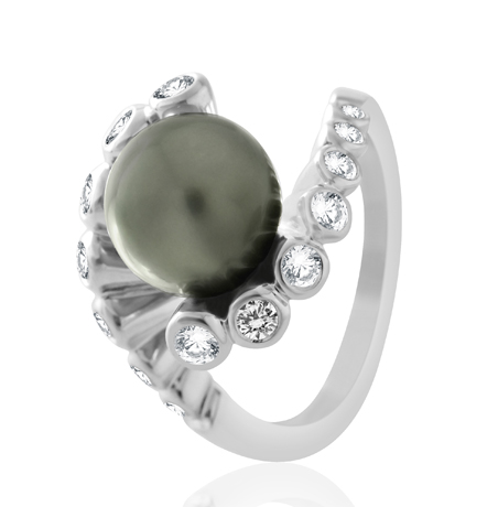 Ring in 18k gold with Tahitian pearl from Roure