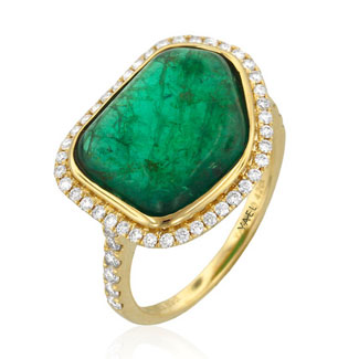 Yael Designs ring in 18k gold with emerald