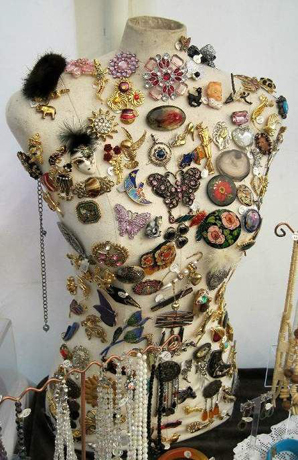 Cloth dress form as a pin display