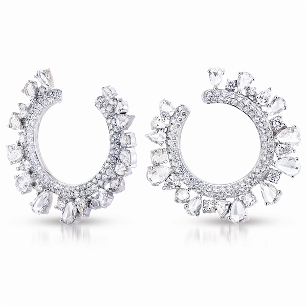 A. Link diamond Wreath earrings