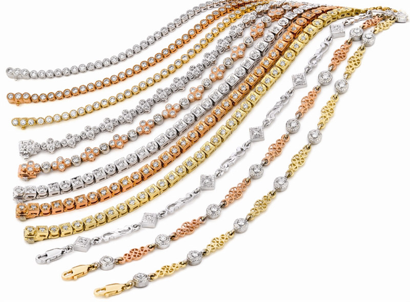 A. Link tricolor gold diamond bracelets