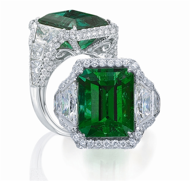 JB Star Gubelin Colombian emerald ring