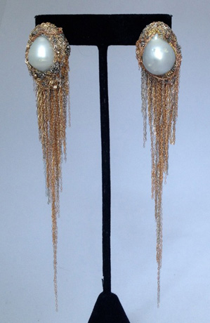 Earrings in 14k gold with pearls by Martin Bernstein