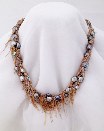 Necklace in 14k gold with pearls by Martin Bernstein