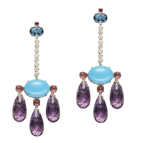 Earrings by Abellan