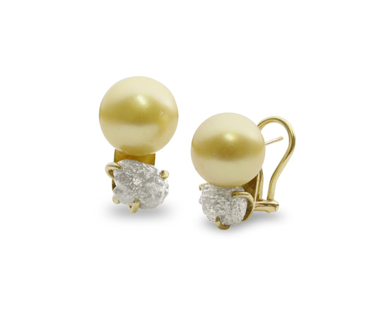 Pearl earrings by Lee Wiser McIntosh