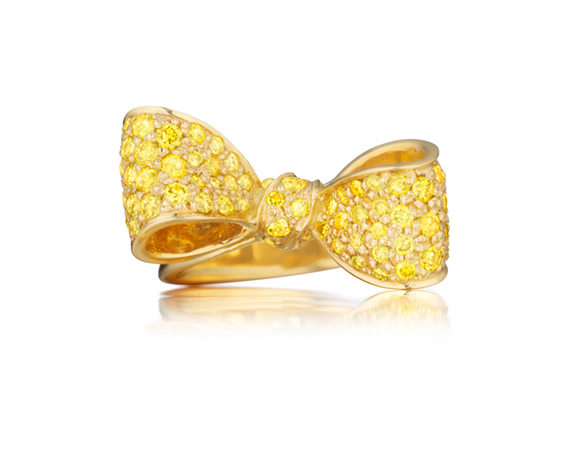 Bow ring by Mimi So
