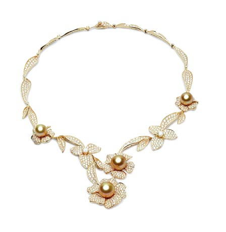 Jewelmer golden pearl, diamond, and gold necklace