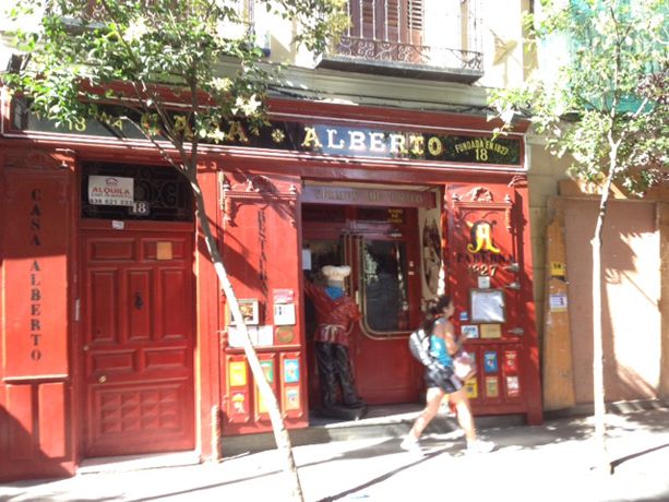 Casa Alberto, an old pub whose red exterior indicated to Spain's illiterates that the building offered red wine, and where Cervantes is said to have done some writing