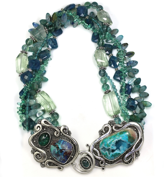 Echo of the Dreamer gemstone front clasp collar