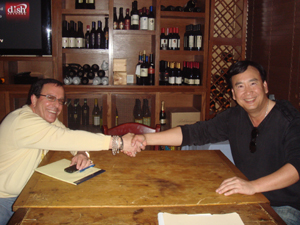 Alan Friedman (left) with Lo Huang of The La Vie Group