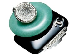 black-white-green-chanel-ring-1065-marieclaire-online-rev-25h.jpg