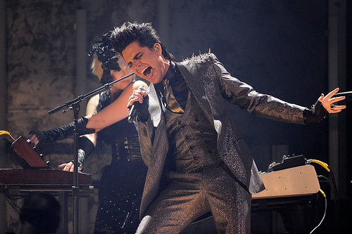 spikes-adam-lambert-2009-american-music-awards.jpg