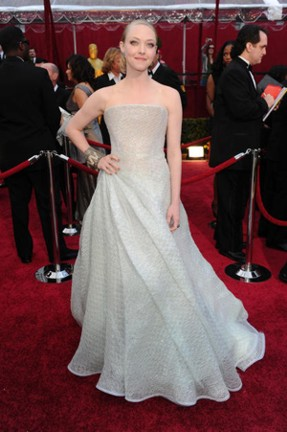 2010-oscars_amandaseyfried-rev.jpg