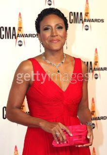 Robin Roberts in Diamonds For A Cure