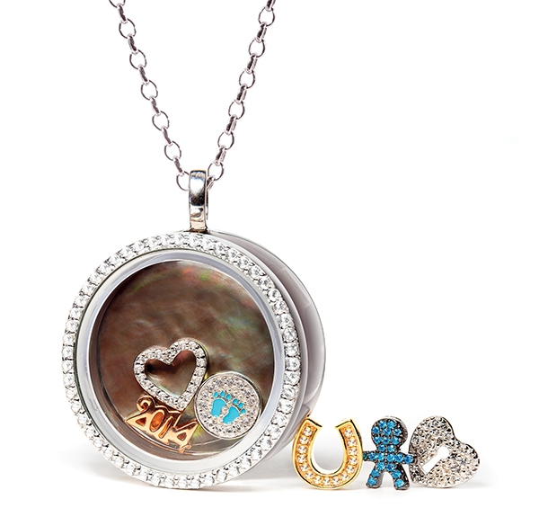 S&R Designs Four Keeps round locket pendant