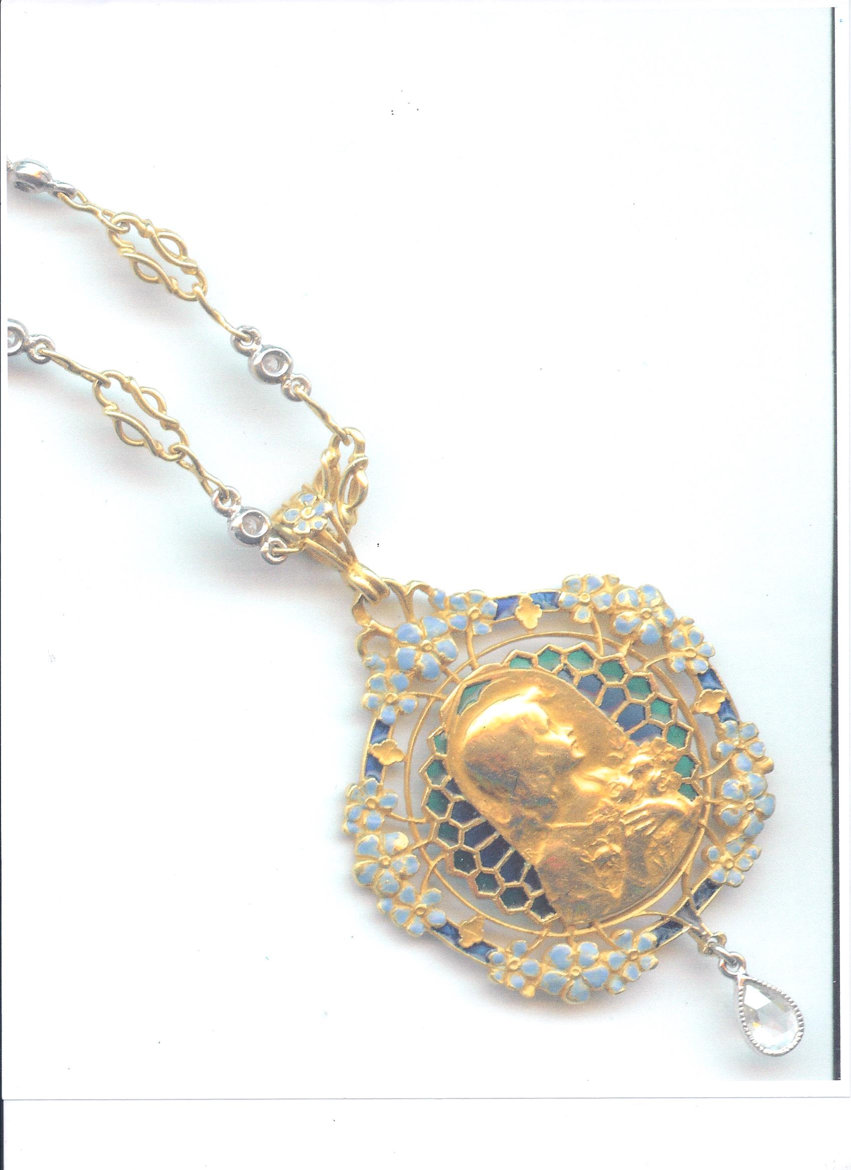 art_nouveau_plique_a_jour_18k_gold_pendant_with_girl_in_profile_and_gold_chain_photo_1.jpg