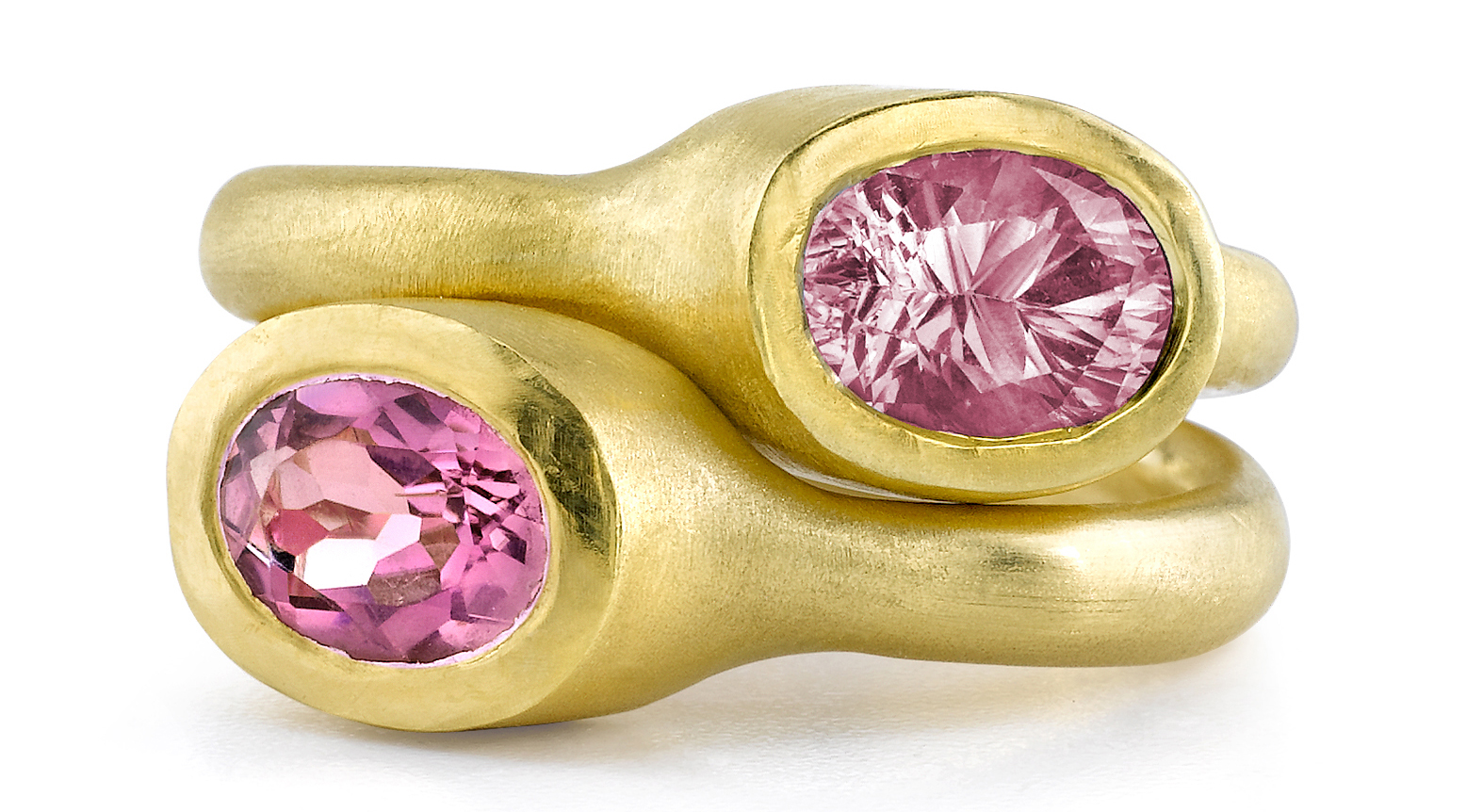 Dorian and Rose pink sapphire bezel rings | JCK On Your Market