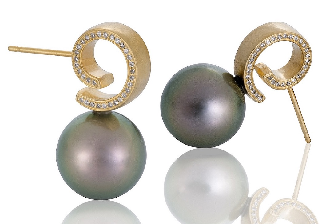 Martha Seely Cirrus Tahitian pearl earrings | JCK On Your Market