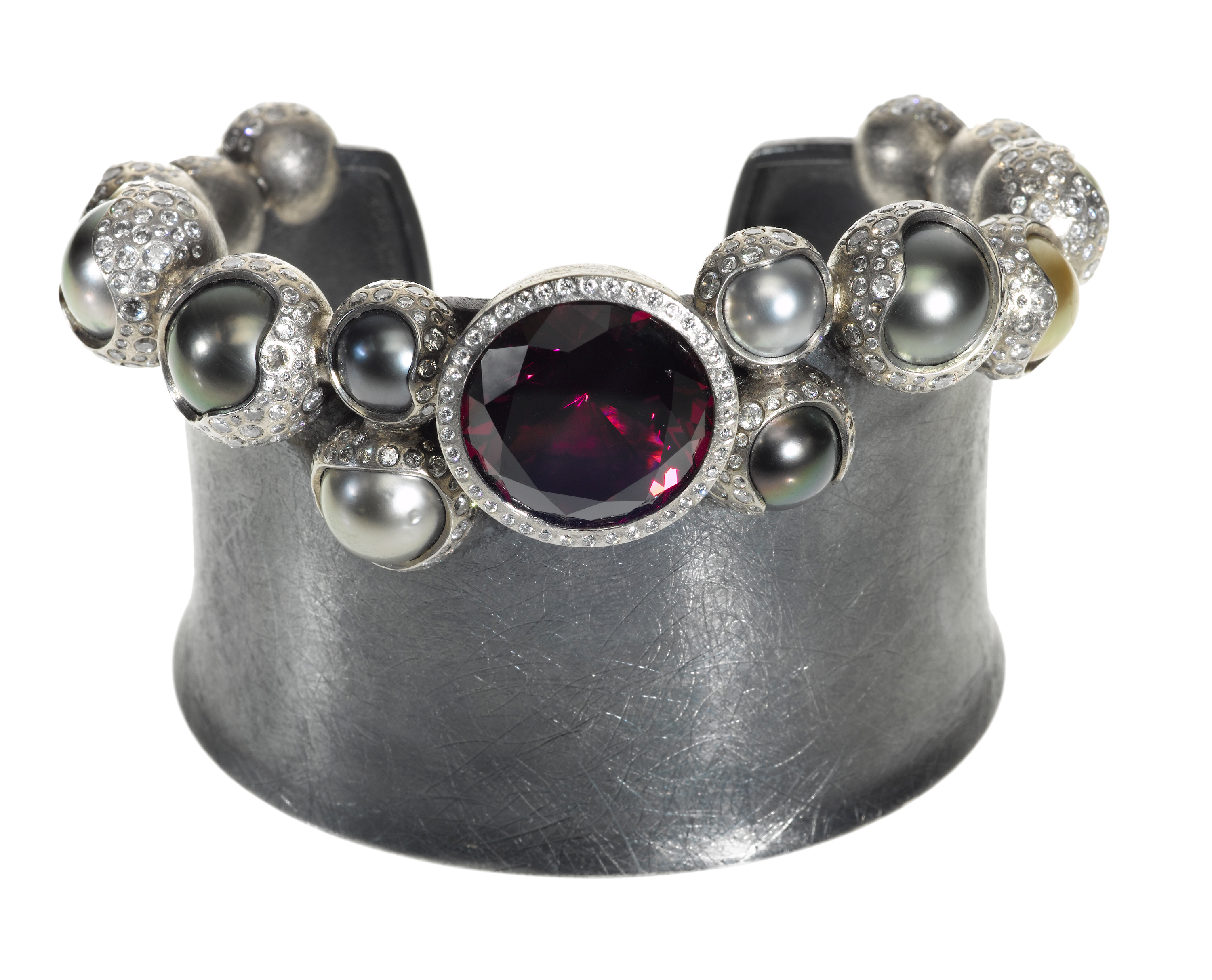 Todd Reed garnet and Tahitian pearl ring | JCK On Your Market